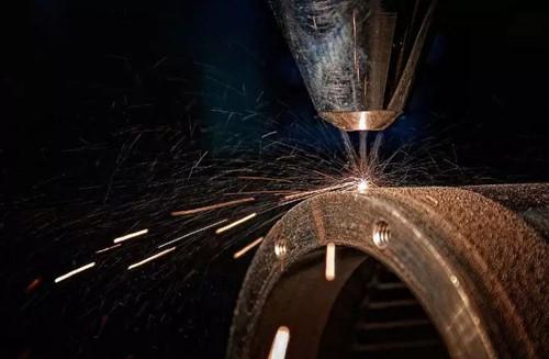 教学激光模具焊接机赋予旧零件的新生活