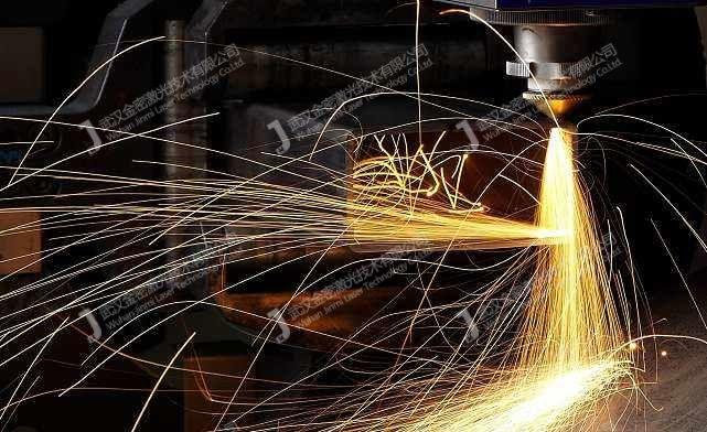 激光焊接机的激光复合焊接技术,诠释1+1>2